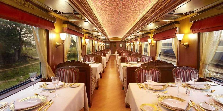 Décor royal dans le Rang Mahal  du Maharajas' Express