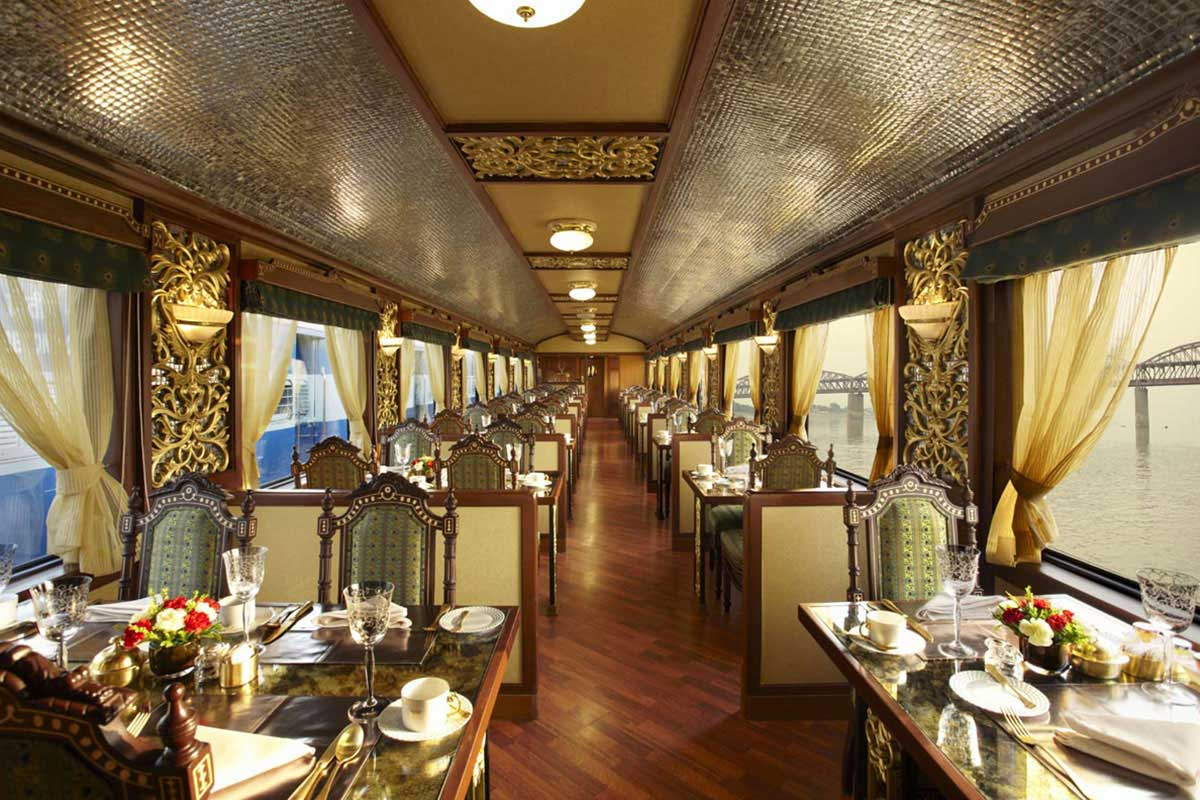 Le restaurant Rang Mahal du Maharajas' Express