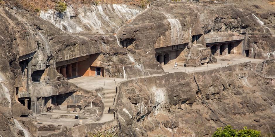Les Grottes d'Anjata