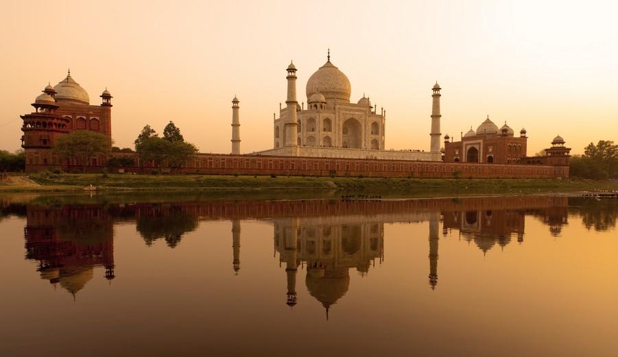 Le soleil se couche à Agra