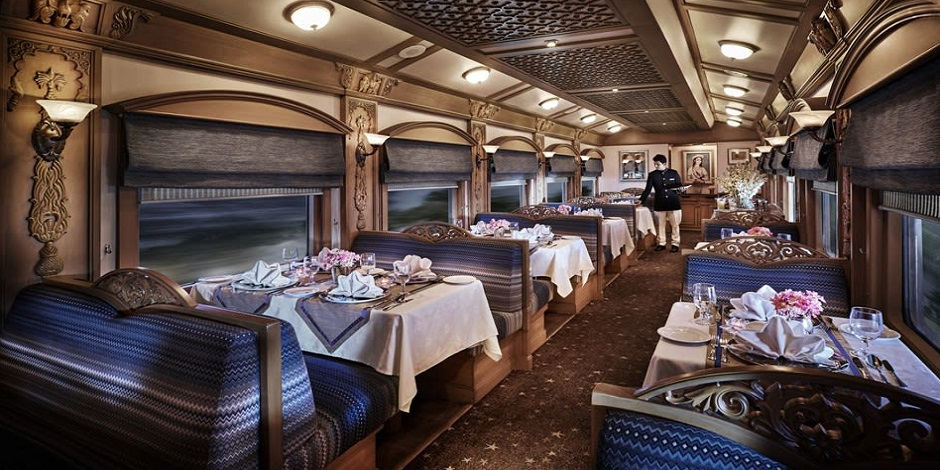Voiture restaurant du Train Deccan Odyssey