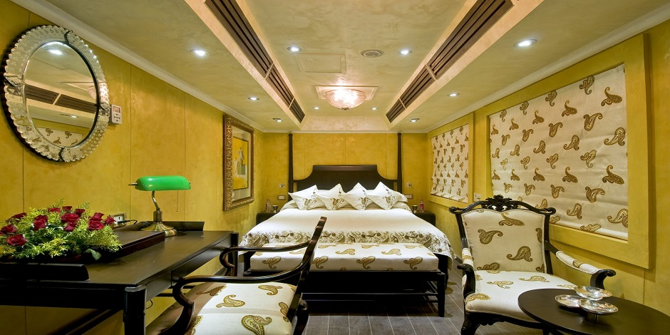 Deluxe Diamond du Train Royal Rajasthan on the wheels