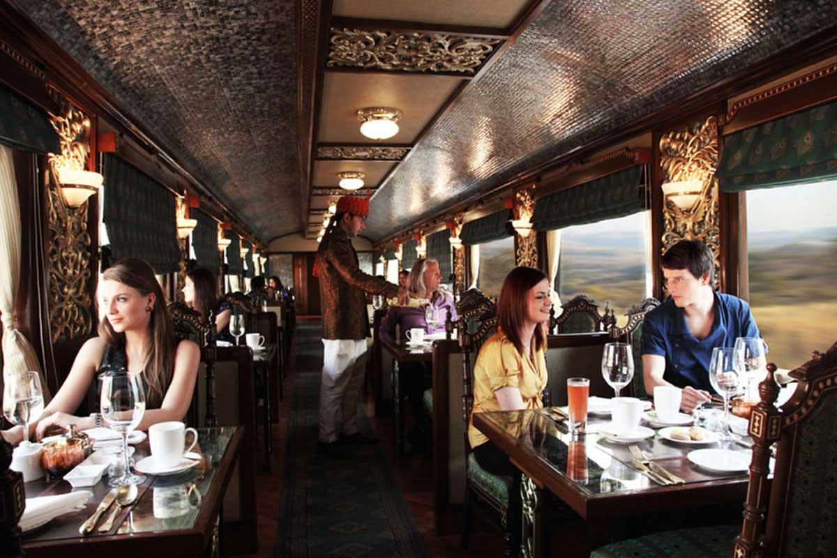 Petit-déjeuner à bord